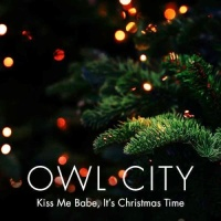 Kiss Me Babe, It's Christmas Time - Single