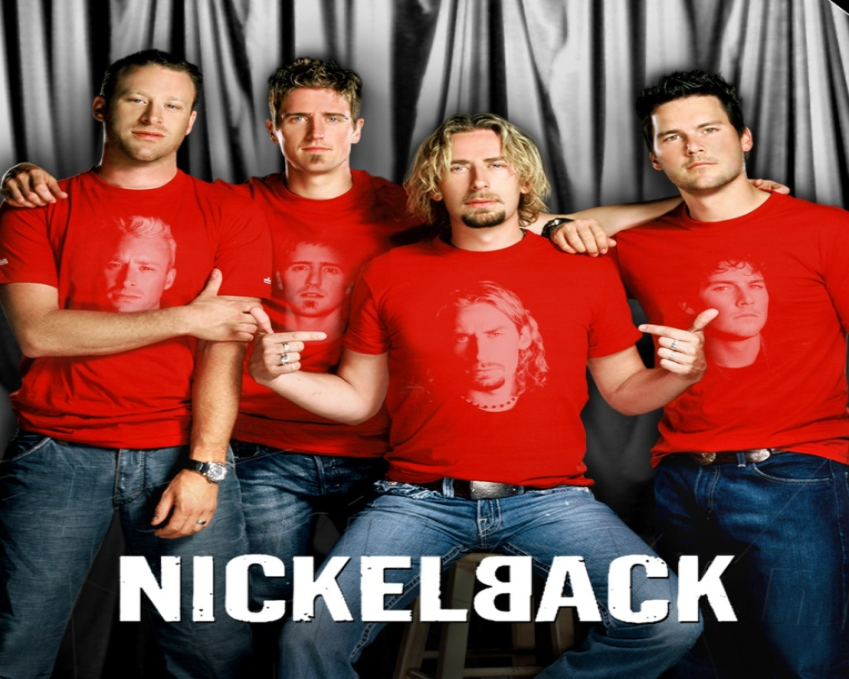 """Группа """"Nickelback"""" в новом клипе никак не может выбраться из леса"""
