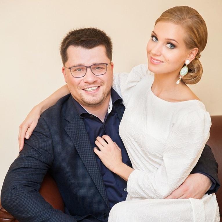 Кристина Асмус и Гарик Харламов трогательно поздравили друг друга с годовщиной свадьбы
