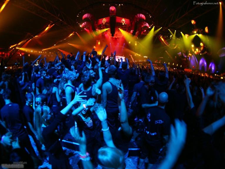 Вечеринка Apokalipsis Radioshow в «Замке Фантомаса»