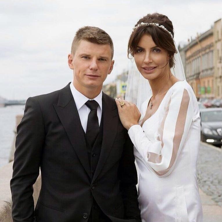 Понять и простить: Алиса Казьмина передумала разводиться с Андреем Аршавиным