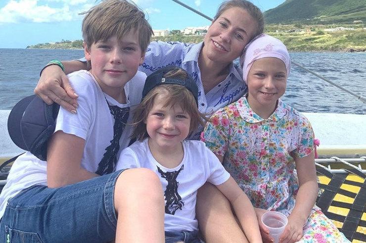 Юлия Барановская отправилась в круиз вместе с детьми