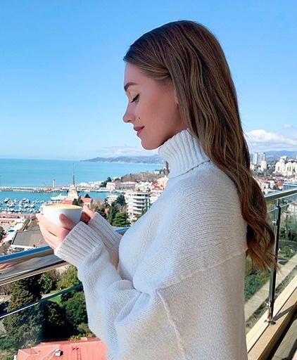 Кристина Асмус отдохнула в Сочи с дочкой