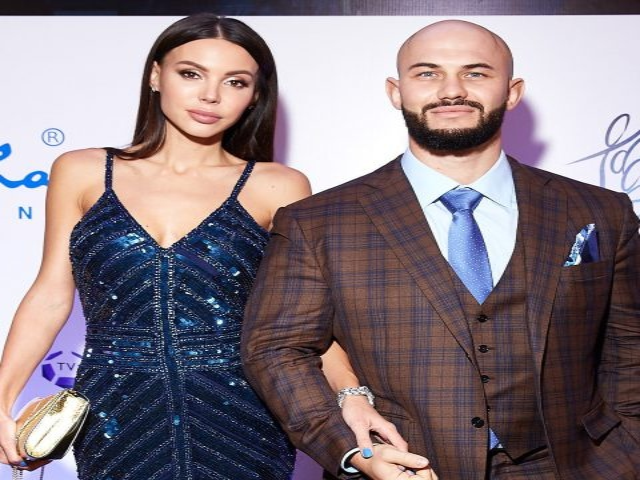 Оксана Самойлова и Джиган отправились в отпуск
