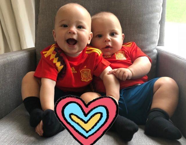 Энрике Иглесиас и Анна Курникова показали детей