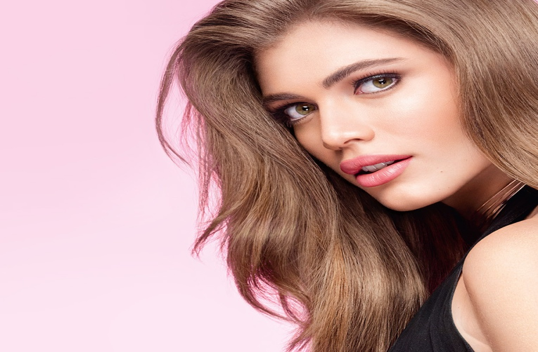 Бренд Victoria's Secret теперь представляет модель-трансгендер