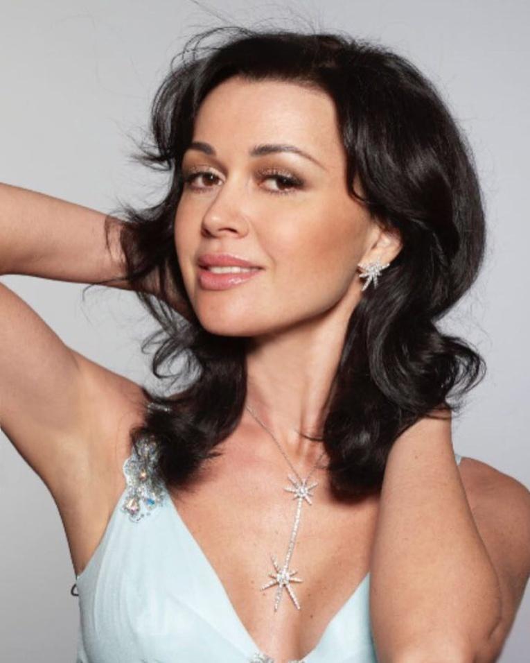Анастасия Заворотнюк в реанимации, у актрисы обнаружили опухоль мозга