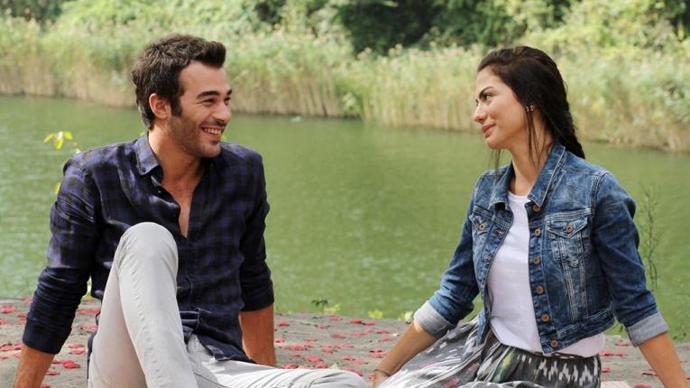 5 турецких сериалов про любовь, от которых не оторваться