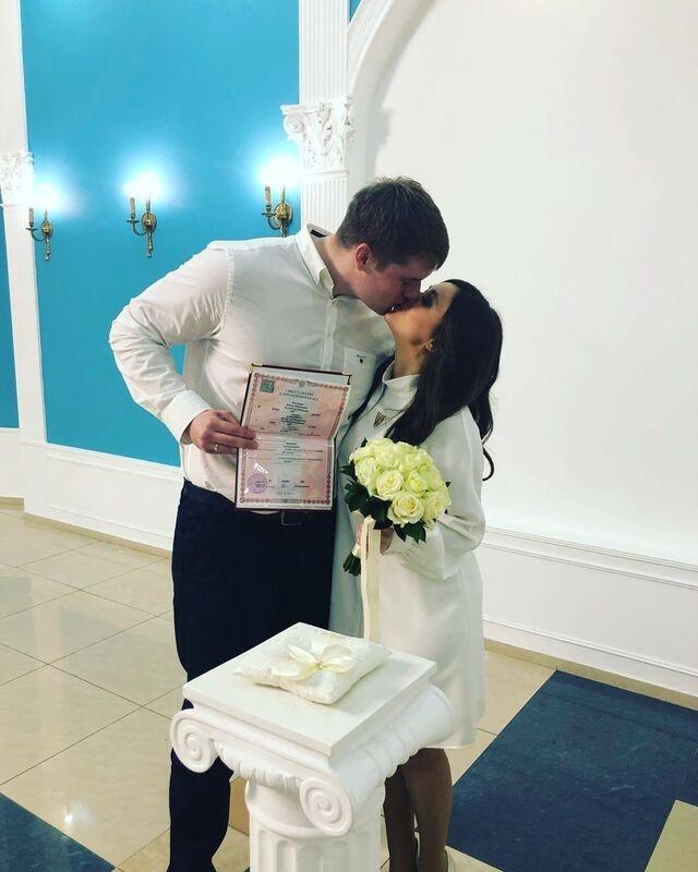 Сын Марии Шукшиной сыграл свадьбу