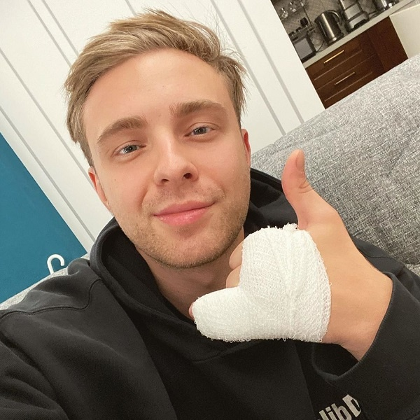 Егор Крид сломал палец на съемках клипа