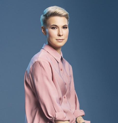 Участница «Женского стендапа» Зоя Яровицына дала интервью о карьере