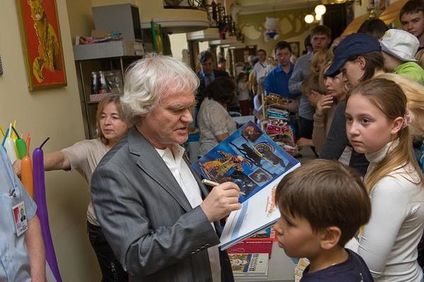 Юрий Куклачев занимается помощью подросткам в колониях