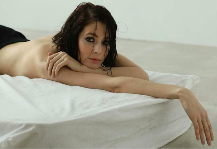 Юлия Снигирь порадовала мужчин новым снимком