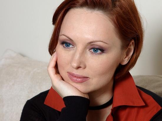 Елену Ксенофонтову госпитализировали с коронавирусом