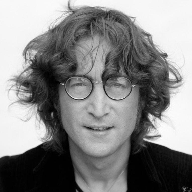 Сколько стоит альбом, который Джон Леннон подписал своему убийце?