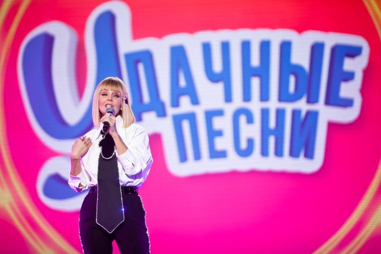 Марина Федункив и Cтас Костюшкин вместе переехали на дачу